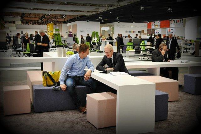 Prezentacja produktów Orgatec 2014. Firma Nowy Styl wykonała specjalne krzesła, które były wykorzystywane podczas szczytów NATO i grupy G20