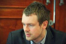 Kilka lat po aferze z liniami lotniczymi OLT Express Michał Tusk stara się wrócić na ścieżkę zawodowej kariery