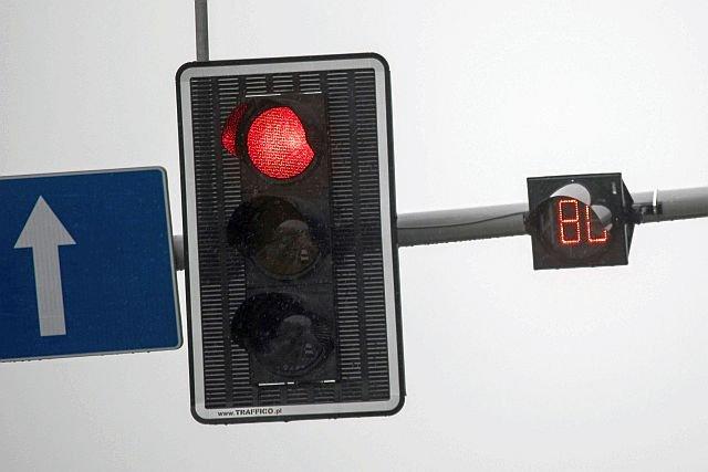 Sekundniki przy sygnalizacji świetlnej odmierzajęce czas do zmiany koloru światła na skrzyżowaniu w końcu będą legalne.