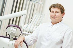 Ortodonta to jeden z najmniej stresujących, a jednocześnie najlepiej płatnych zawodów. Nie tylko w Ameryce!