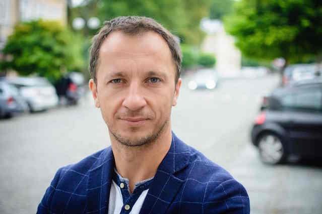 Bartosz Michałek, twórca Inijob.