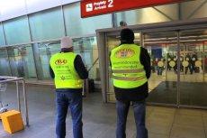 Chociaż na lotnisku nie brakuje licencjonowanych przewoźników, skala oszustw jest dalej bardzo wysoka.