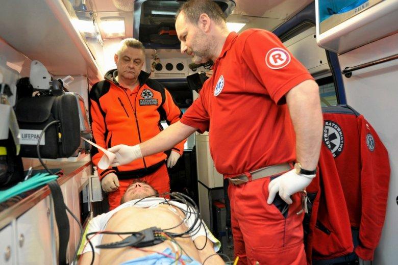EKG w zegarku - w ten sposób pomysłodawczyni jednego z projektów chciałaby zawczasu zapobiegać nadchodzącym zawałom serca.