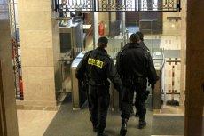 Policjanci będą beneficjentami zmian polityki płacowej rządu.