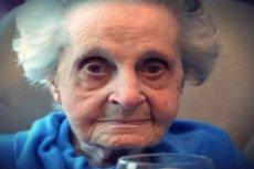 Maysie Strang wypala paczkę papierosów dziennie.