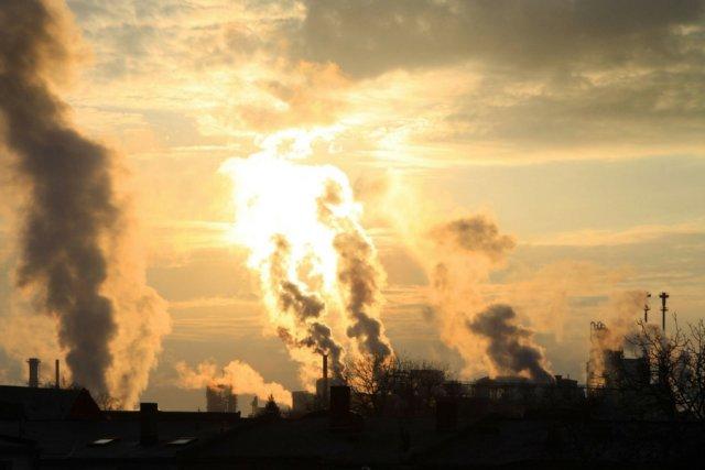Stężenie zanieczyszczeń w Warszawie wielokrotnie przekroczone, a alarmu jakoś nikt nie ogłasza.