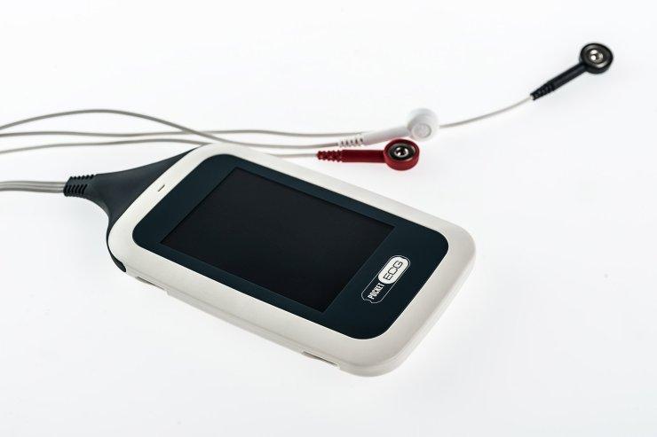 Obecna wersja PocketECG różni się od pierwszych projektów. Firma pracuje już nad kolejnymi urządzeniami i algorytmami medycznymi.