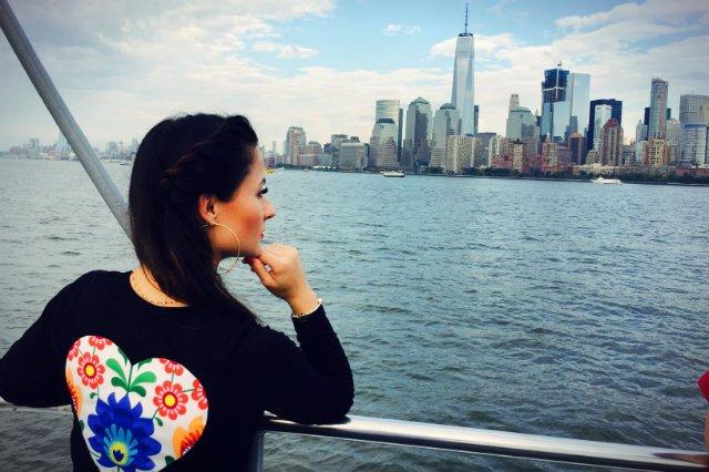 W październiku Justyna Bolek wzięła udział w obchodach 2. Polonijnego Dnia Dwujęzyczności w Polskiej Szkole Dokształcającej im. Henryka Sienkiewicza na Brooklynie. Dzięki nawiązanym kontaktom w Nowym Jorku rozpoczną się stałe zajęcia Slavica Dance