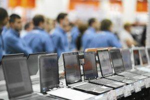 Kłopoty podatkowe dystrybutora sprzętu komputerowego Action SA skupiły się między innymi na dostawcach. Przeciąga się termin zapłaty za faktury