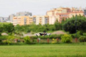 Drony pomagają samorządom ściągać zaległe podatki.