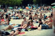 Jeden dzień beztroskiego odpoczynku na plaży może nas kosztować ponad 4 tys. złotych