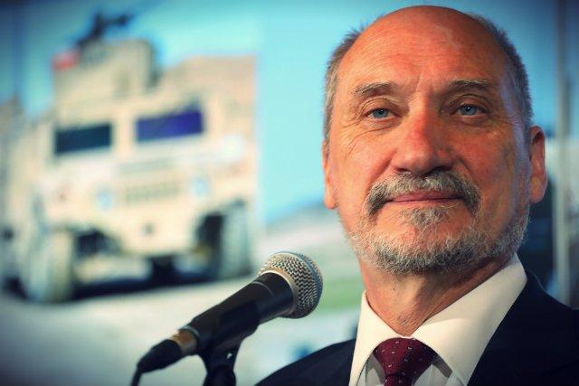 Antoni Macierewicz ogłosił, że polska armia zakupi nowoczesną broń rakietową od amerykańskiej firmy Lockheed Martin.