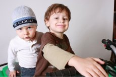 Pierworodni są w rodzeństwie najmądrzejsi, dowodzą badania umiejętności kognitywnych.