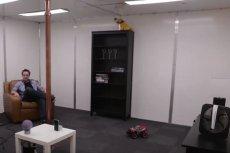 Pokój, który sam ładuje urządzenia.