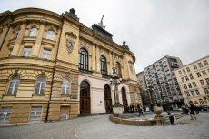 Tak prezentuje się gmach główny Politechniki Warszawskiej.