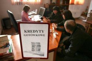 Przeszło pół miliona dłużników, z czego 110 tys. przybyło w ciągu roku - to bilans lekkomyślności młodych Polaków.