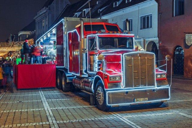 Ciężarówka Coca-Coli krąży po Polsce już od 1 grudnia.