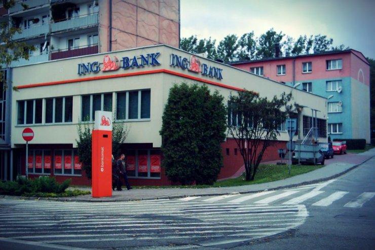 Kończy się era oddziałów bankowych na każdym rogu ulicy.