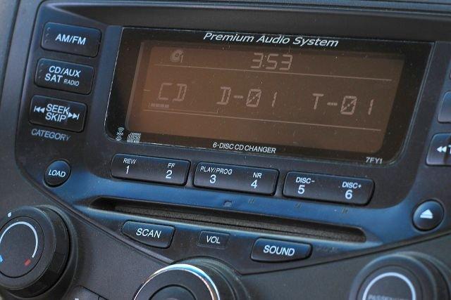 Jeśli auto jest składnikiem trwałym firmy - musimy płacić dodatkowy abonament radiowy za taki odbiornik.