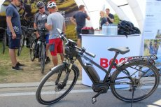 Rower z elektrycznym wspomaganiem i systemem ABS. Nie ufałem mu, ale zatrzymuje się niemal w miejscu i to na każdej nawierzchni
