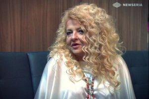 Magda Gessler. Cała na biało.