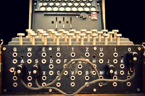 Polscy matematycy złamali kod maszyny szyfrującej Enigma.