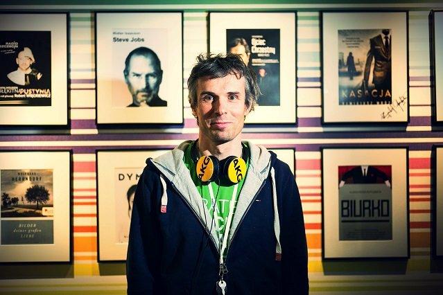 Kiedy Marcin Beme zakładał Audioteke, miał za sobą dwa startupy i marzenia o zostaniu gwiazdą show biznesu. Jak sam przyznaje, zrealizował je po części, tworząc serwis w branży audio.
