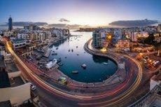 Malta, widok na Saint Julien i Spinola at Dawn