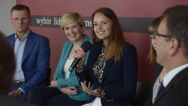 """Debata redakcyjna """"Firmy Rodzinne - pomiędzy tradycją i innowacją"""" zorganizowana przez Instytut Biznesu Rodzinnego i Harvard Business Review Polska"""