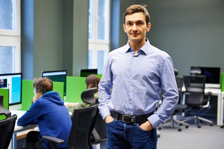 Doktor Konrad Iwanicki w informatykę eksperymentalną teraz wciąga studentów