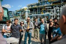 """Działająca wciąż """"stara"""" rafineria LOTOS-u jest turystyczną atrakcją."""