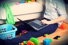 Według poselskiego projektu, rodzice z dziećmi do 10 lat mieliby pracować godzinę krócej.