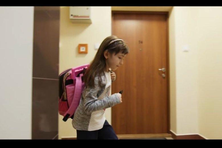Kadr z filmu reklamującego rozwiązania oferowane przez Dom Przyszłości.