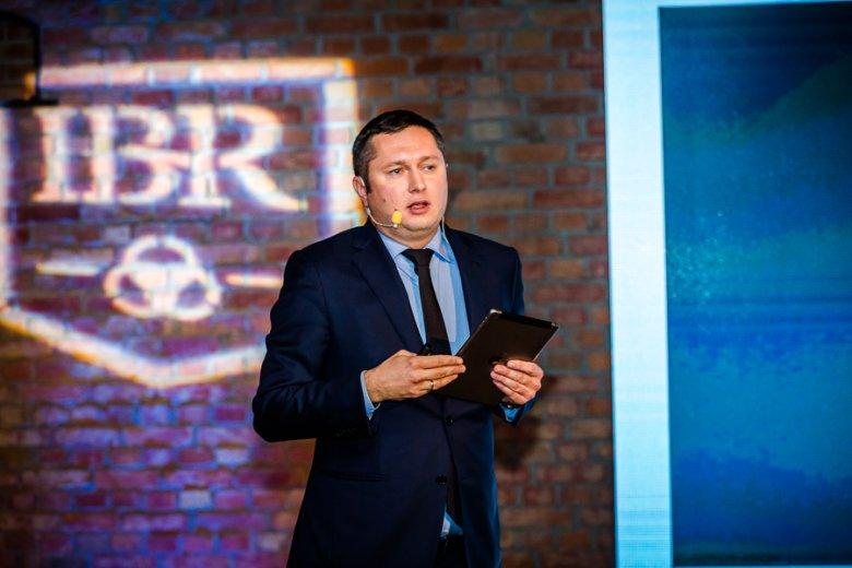 Mikołaj Placek podczas prelekcji na Kongresie Next Generation. www.nextg.pl