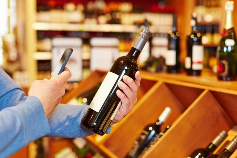 Do nieporozumień dochodzi również, gdy sklep prowadzi jednocześnie sprzedaż internetową i tradycyjną.