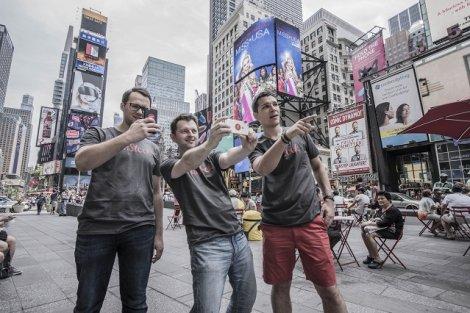 Zespół UnStock. Chcą zarabiać na tym, że milenialsi muszą wszystko nagrywać.