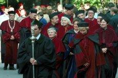 Na rozpatrzenie czeka m.in. ponad sto wniosków o przyznanie tytułu profesorskiego.