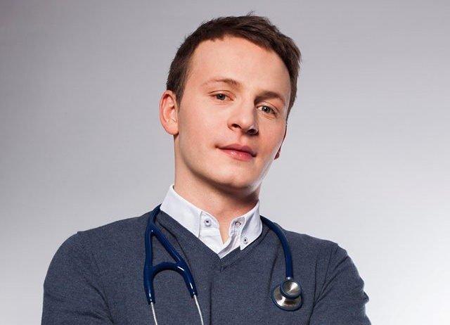 Doktor Paweł Jarosz tropi i punktuje absurdy medycznego marketingu.