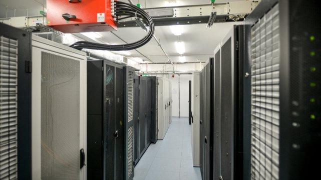 Infrastruktura informatyczna w Medycznym Centrum Przetwarzania Danych.