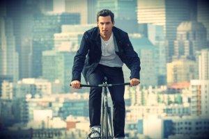 Inteligentna kurtka dla Google'a ma pomóc rowerzystom na ruchliwych ulicach