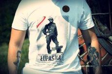 T-shirt z podobizną Zygmunta Szendzielarza Łupaszki