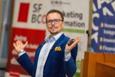Mówca, coach, przedsiębiorca. Bartosz Skwarczek jest osobą o wielu talentach.