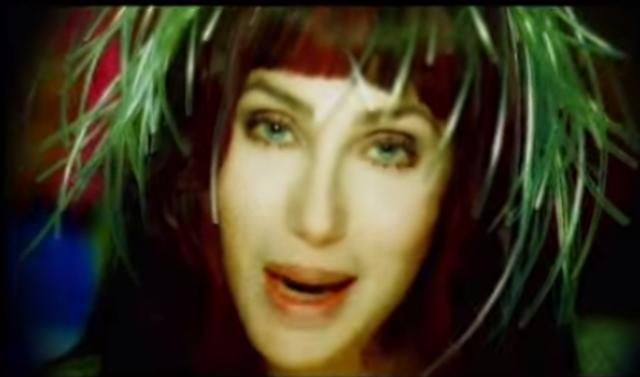 """W muzyce po raz pierwszy technologii Auto-Tune użyto w piosence Cher - """"Believe""""."""