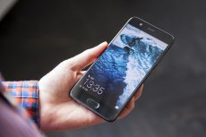 Huawei P10 to smartfon ze świetnym aparatem opracowanym we współpracy z Leica, wydajnym procesorem Kirin 960 i wielofunkcyjnym czytnikiem linii papilarnych