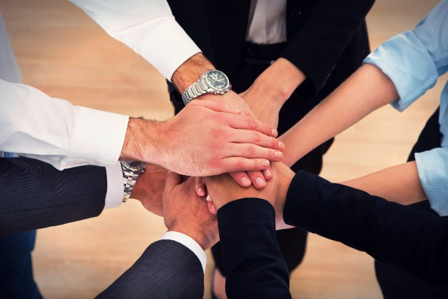 Motywowanie kolegów okazuje się być równie ważne co wypełnianie własnych celów