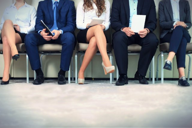 Mimo rynku pracownika do największych firm wciąż ustawiają się kolejki chętnych. Warto więc przemyśleć każde słowo