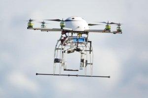Drony stają się coraz popularniejsze.