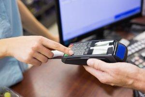 Od nowego roku płatności powyżej 15 tys. złotych można realizować tylko za pośrednictwem banku