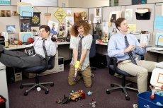 Nad pracę zdalną, wolimy pracować w biurze. Czy słusznie?