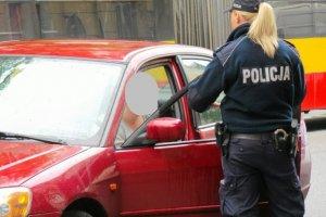 Kontrola policyjna nigdy nie należy do przyjemności.